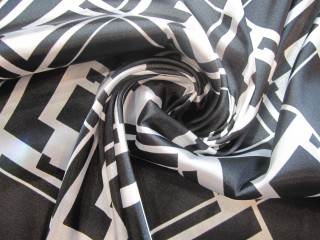 Satyna wiskozowa z lycrą czarno-białe lata 60-te