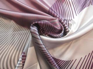 Satyna wiskozowa z lycrą liliowo popielata abstrakcja