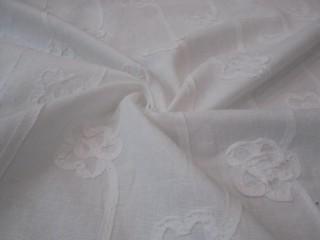 Len naturalny uszlachetniony wzór kwiatowy biel